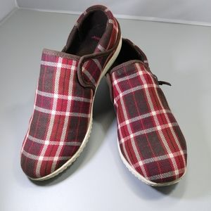 Patagonia Red Plaid Slip On Flats Shoes Size 6